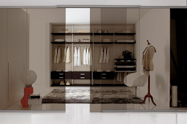 cabina-armadio-con-parete-vetrata-spagnol