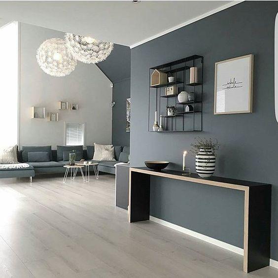 salone-luce-natuale-parete-blu