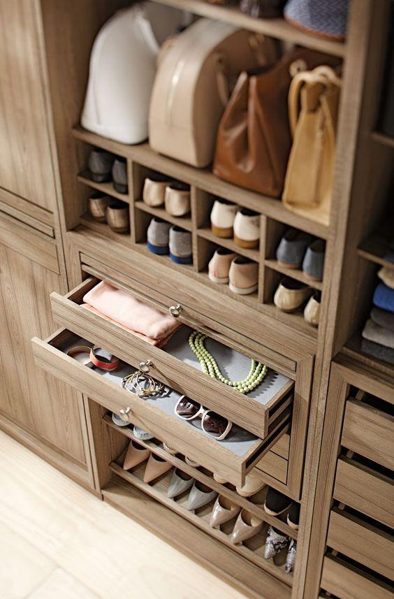 scarpe-e-accessori-in-cabina